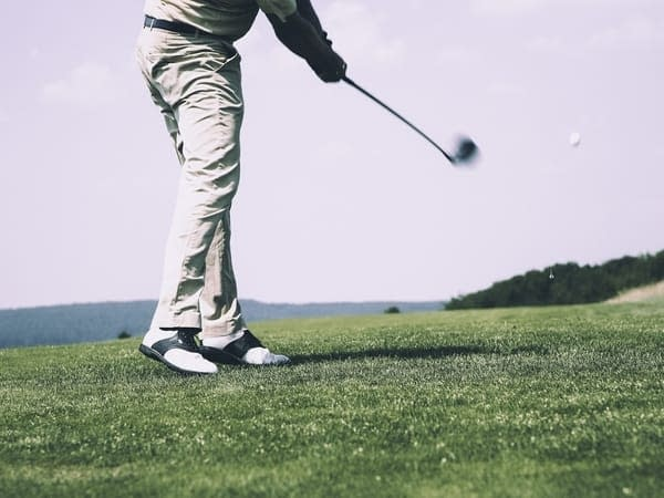 playing golf in richmond tasmania